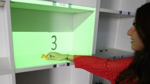 Pick from Here!: An Interactive Mobile Cart Using In-situ Projection for Order Picking